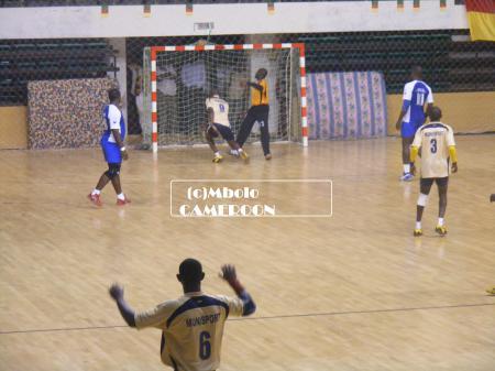 Le hand-ball anime le sport au cameroun